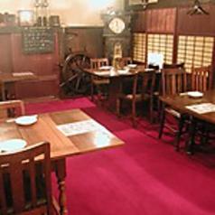 【少人数で気楽に飲むなら】全5席のテーブル席は、1~6名様で気楽にお楽しみ頂けます☆