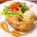 料理メニュー写真鶏モモ肉のコンフィ ローストナッツのソース