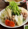 【野菜・鍋具材も食べ放題】20種類以上野菜鍋の具材、10種類以上の薬味をバイキングカウンターからご自由に。