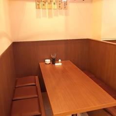 ご家族でのご利用に最適なデーブル席です