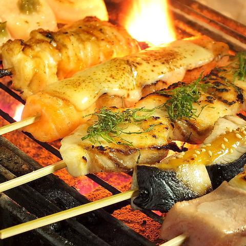 1本ずつ丁寧に焼き上げる焼き鳥×仕入れにこだわる新鮮な魚