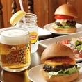 名物★ハンバーガー!パーティーコース内のお食事はハンバーガー★常連様も喜んで下さり、長年愛されるこだわりメニューです!