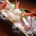 近江町市場から届く鮮魚を選りすぐりの地酒と一緒にお楽しみください。