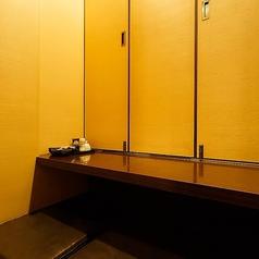 2人席個室。つなげて4名個室にもなります。