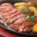 料理メニュー写真アンガス牛厚切りステーキ