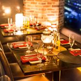 美しい夜景がお楽しみいただけるお席は、お仕事帰りの飲み会や、女子会、デートなどにもおすすめの完全個室です!落ち着いた雰囲気の快適空間でごゆっくりお食事をお楽しみください。※系列店舗との併設店舗となります