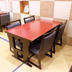 お座敷席はお座敷としても、テーブル・椅子席としてもお使いいただけます♪