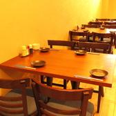 『お気軽にお立ち寄り頂けるテーブル席。ご家族、ご友人、同僚の方々とお愉しみ頂けます!』