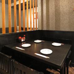 テーブル4名様×5