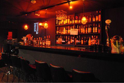 「今夜は一人で飲みたい」そんな気分のときに。隠れ家的cafe&bar☆