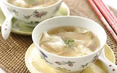 料理メニュー写真ワンタンスープ