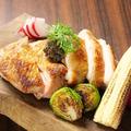 料理メニュー写真朝引き淡路鶏のグリリアータ ~自家製タップナードで~