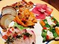 料理メニュー写真前菜の6種盛り合わせ