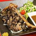 料理メニュー写真鶏もも肉の炭火焼き