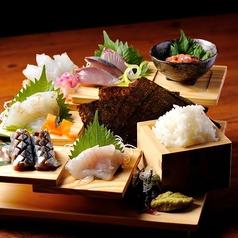 料理メニュー写真市場直送!朝どれ鮮魚★刺身階段盛り