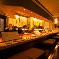 会社帰りのちょい飲みやデート、ご友人とのお食事には、カウンター席がおすすめです。お酒は日本酒や焼酎、ワインにカクテルと多彩にご用意しております。当店自慢の創作和食と美味しいお酒で、美味しく楽しいひと時をお過ごしください。
