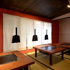 どんなシーンでも使える安らぎ空間。ニューオープンの「カヤモンジャ」今なら11月限定オープン記念コースご用意しております。アッツアツのもんじゃ・創作一品料理を美味しいお酒で満喫してください!
