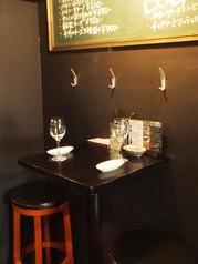 2名様用のカジュアルなテーブル席もご用意。