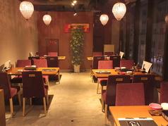 2~4名まで対応のテーブル席。女子会やデートに・・・