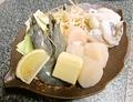 料理メニュー写真海鮮鉄板焼き(ホタテ貝柱・ゲソ・天使海老) 二人前盛り
