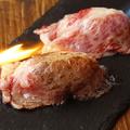 料理メニュー写真炙り肉寿司 内もも肉