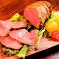 料理メニュー写真北海道花畑牧場ラクレットチーズ バケット&ローストビーフ