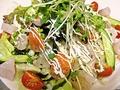 料理メニュー写真魚介たっぷり海鮮サラダ
