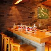 【5~6名席/店内テラス側】店内手前のテーブル席。お隣を気にせずワイワイ楽しめる!会社宴会やグループ宴会にどうぞ♪