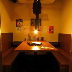3名様~4名様に最適の個室。友人同士の飲み会や女子会、接待などにも大活躍!