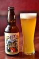 【岡崎嬢】「岡崎の女性にも飲みやすいビールを」と、街のシンボルでもある岡崎城の読みを文字って名付けました。レモンなどのシトラス系の香りがとっても爽やか!苦みが仏のビールより少ないので、女性にもぴったりな華やかでフルーティな一杯です。
