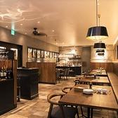 熟成牛ステーキバル Gottie's BEEF ゴッチーズビーフ キュービックプラザ新横浜店の雰囲気2