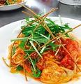 料理メニュー写真とり肉とチーズのトマトソーススパゲティ