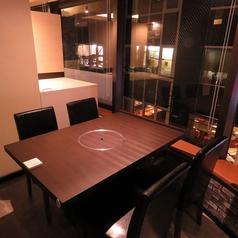 個室のテーブル席をご用意しております!女子会等にお使い下さい。牛タンなど炭を使ってテーブルでご自分で焼いて楽しめます♪