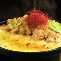 料理メニュー写真中札内鶏の炙りチースダッカルビ(980円)