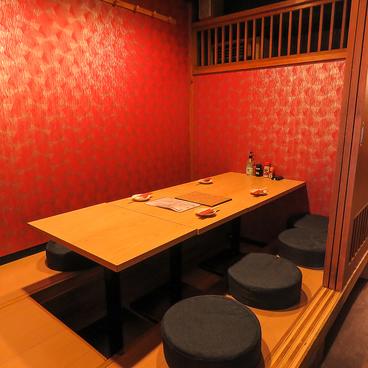 餃子 焼きとりの店 はる 博多駅前店の雰囲気1