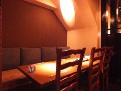 1F テーブル 4名様席×2卓 最大8名様