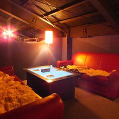 ゆったり寛げるソファー席は女子会やデート、二次会でのご利用にも好評です♪