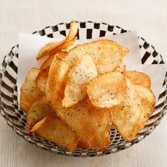 黒七味香る 厚切りポテトチップス/沖縄の塩シママース 厚切りポテトチップス 各