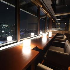カジュアルデートに最適なベンチシート♪♪夜景を見下ろせるパノラマビューが魅力★