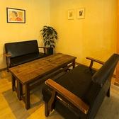 <テーブル席>女子会やサク飲み友人同士のお食事など様々なシーンでご利用頂けるお席となっております☆