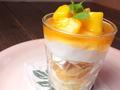 料理メニュー写真オレンジマンゴーパフェ