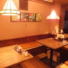 4名様用のテーブル席☆奥のテーブルは,少しつめると6名様までOK!