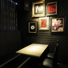 お席はローテーブルもご用意がございます。ご年配の方、特別なお客様、ゆったりされたいお客様にも最適♪