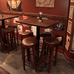 4名様のテーブル席です。テーブルの移動・連結可能です。