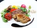 料理メニュー写真牛フィレとフォアグラのソテー