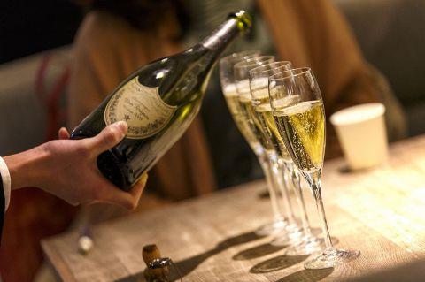 女性の方は毎日シャンパン半額!しかも何杯でもok!女子会にぜひ☆