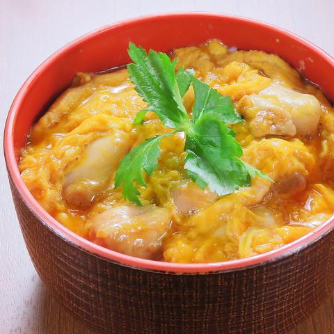 素材にとことんこだわり、埼玉県産の朝採れ高級玉子を使用♪ 〆にピッタリのトロットロの親子丼は絶品!そしてこちらも安い◎ ご来店の際はぜひ味わってください♪