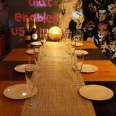 スタイリッシュなテーブル席はシーンを選ばずご利用いただけます。歓送迎会、昼宴会、ママ会など各種ご宴会に是非ご活用ください。