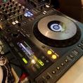 DJブース・プロジェクター・DVDプレイヤー・マイク等無料貸出!使える機材が沢山♪