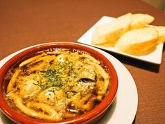 料理メニュー写真牡蠣とシメジのアヒージョ